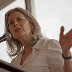 Photo of a speaker from the 2010 Literature For All of Us, Honor Thy Mother Luncheon